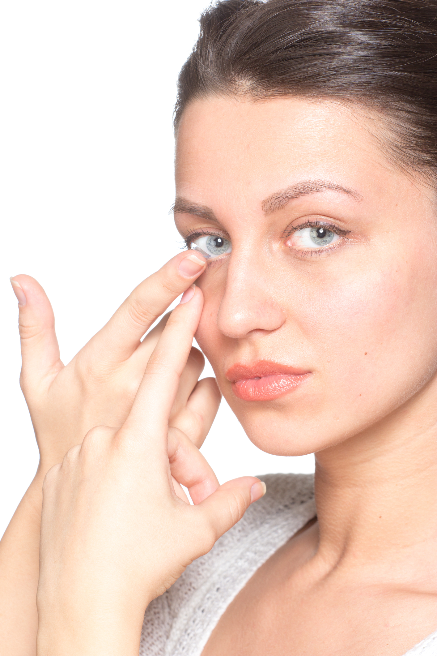 Comfortable Contact Lenses Optique Of Denver Softlens Acuvue 2 Woman Applying Lens